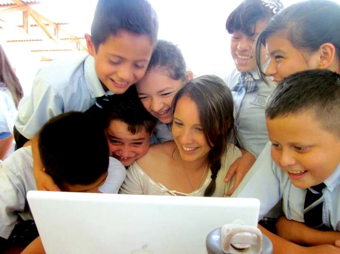0829 Gayle Campbell teaching kids in Honduras.jpg