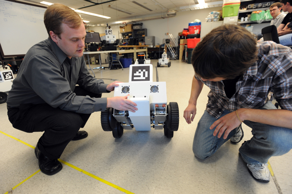 100610_UM_ROBOTICS_TEAM_1_L.jpg