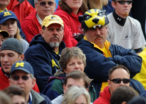 MICH-FANS-111509.JPG