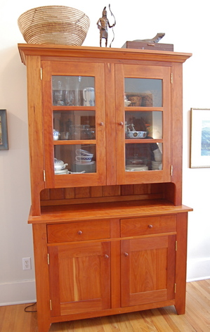 Sells Enduring Style With Amish Made Kitchen Cabinets And Furniture