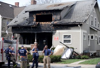Thumbnail image for 040310-AJC-house-fire-south.JPG