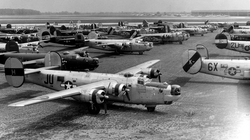 Willow Run bombers 042910.jpg
