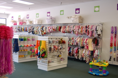 Children s resale shop Grow With Me flourishes in new location at Ann