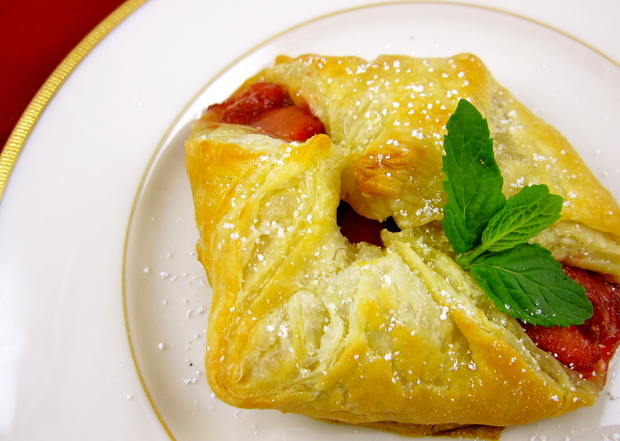 strawberriesinpuffpastry.JPG