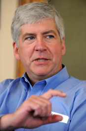Rick Snyder in office 3.JPG