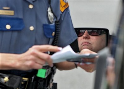 Texting While Driving >> Police officers across Michigan prepare to enforce texting ...
