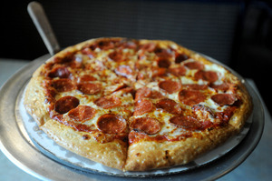 Thompson's-Pepperoni-Pizza.JPG