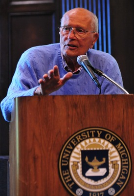John_Dingell_college_dems_September_2010.jpg