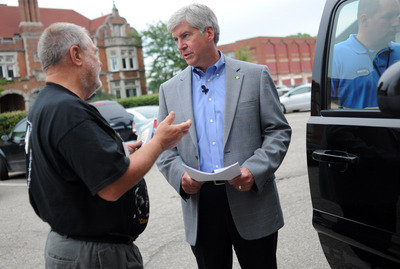 Rick Snyder at Chelsea town hall.JPG