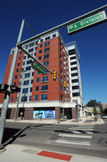 Texas Investors Finalize Their Purchase Of Ann Arbors 4 Eleven Lofts Student High Rise