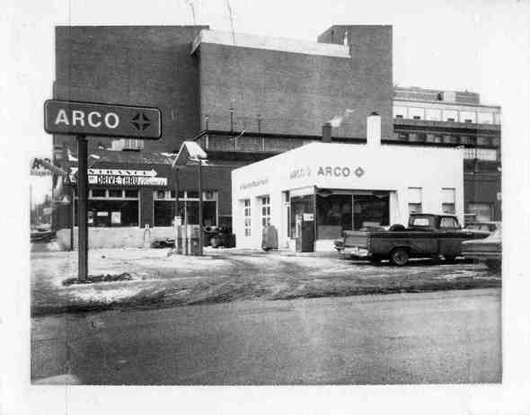 roberts-service-arco-sign-A2signs469.jpg