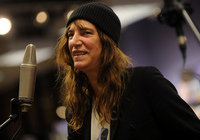 Patti-Smith-Smile-thumb-400x281-28987.jpg