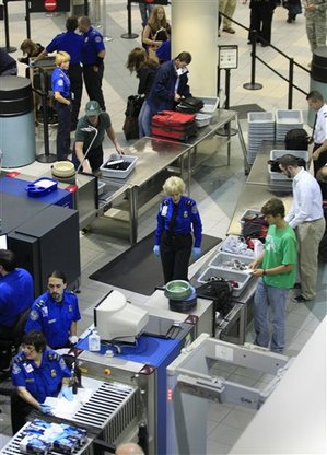 airport-line-security.jpg