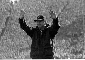 Schembechler.1979.Crowd.jpg