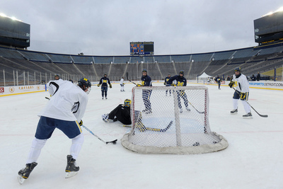 Thumbnail image for UMhockey_BigChill_practice.jpg