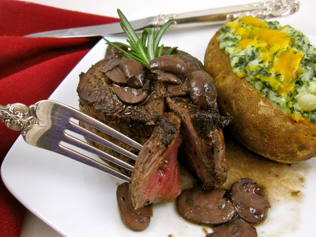 ... dinnerFeed: Valentine's Day Filet Mignon with Red Wine-Mushroom Sauce