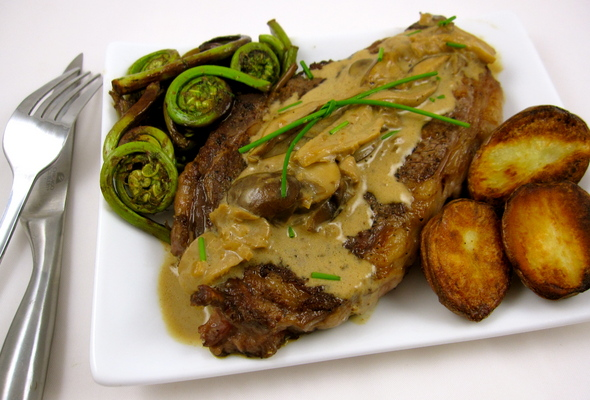 Steak Diane - a meal fit for a goddess ... and your mom