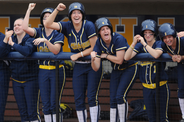 MICHIGAN-SOFTBALL.jpg