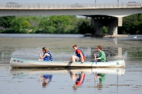 Thumbnail image for 052510-AJC-gallup-park-canoeing-01.jpg