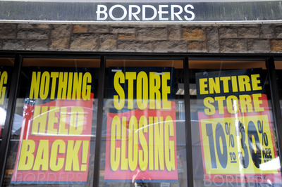 Borders_downtown_liquidation_signs.JPG