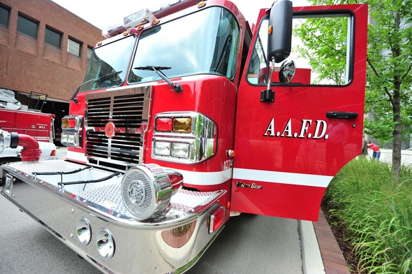 Ann_Arbor_fire_truck_2011.jpg