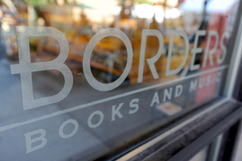 Borders_brand_downtown_store_window.JPG