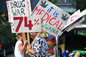 Medical_marijuana_raid_Aug_25_2011_2.jpg