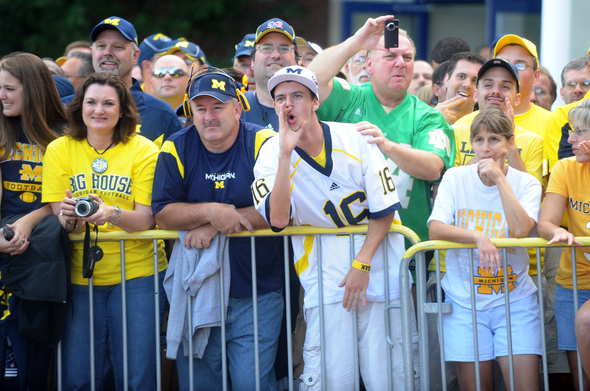UM-ND-FANS.jpg