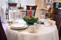 1247570_christmas_table.jpg