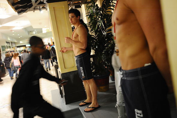 Black_Friday_Abercrombie_and_Fitch_shirtless_models_Briarwood_Mall.jpg