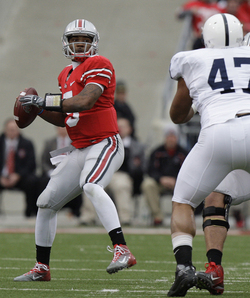 Braxton_Miller_Throw.jpg