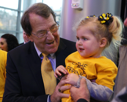 LLoyd_Carr_Mott_Hospital_ribbon_cutting.JPG