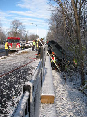 Washtenaw_crash_11302011.jpg