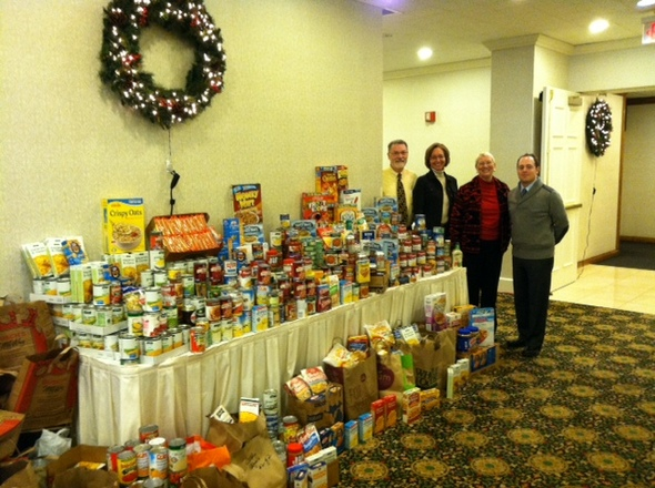Reinhart Managers-Food Drive.JPG