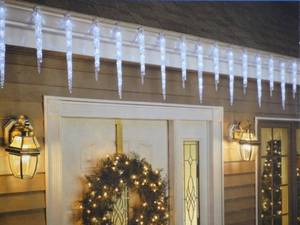 How To Choose And Safely Hang Exterior Christmas Lights