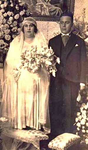 0109 Wedding couple 100 years ago.jpg