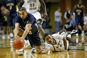SPT_KZ0224WMUHoops_1.JPG