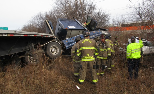 car_semi_crash6.jpg