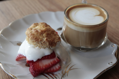 Espresso_Bar_strawberry_shortcake_latte.JPG