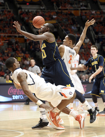 UMBKC_Illinois_Hardaway_Drive.jpg