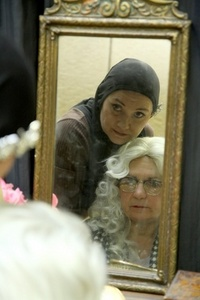 Thumbnail image for greygardens.jpg