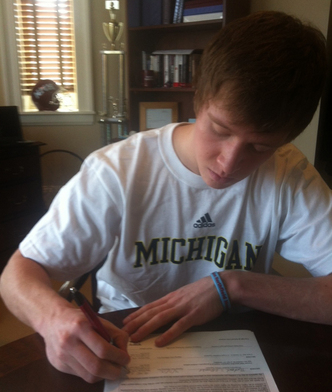 Spike_Albrecht_Sign.jpg