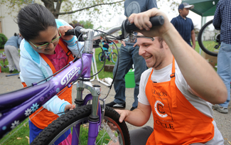 050512-AJC-bike-repair-clinic-03.jpg