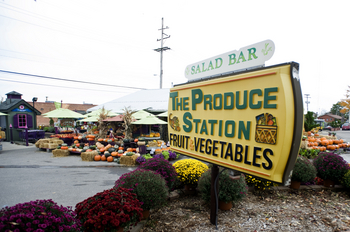 101011_BIZ_Produce_Station_.jpg