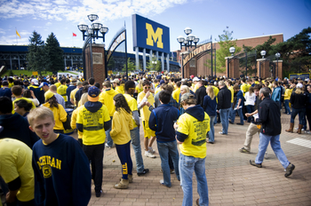 UMFB_Michigan_Stadium.jpg