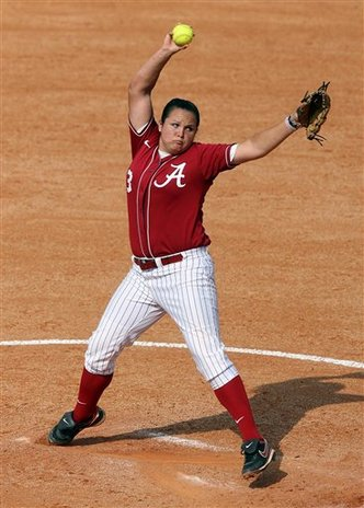 UM_Softball_Alabama_Traina.jpg