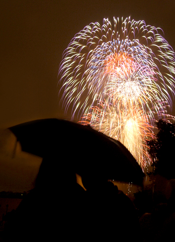 070312_FIREWORKS1-1AW.JPG