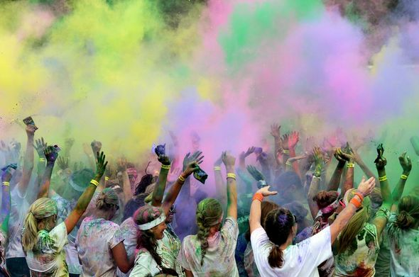 072212_NEWS_Color_Run_MRM_19_fullsize.jpeg