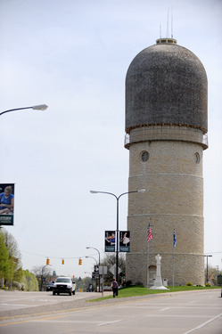 042010-Ypsilanti-water_tower.jpg