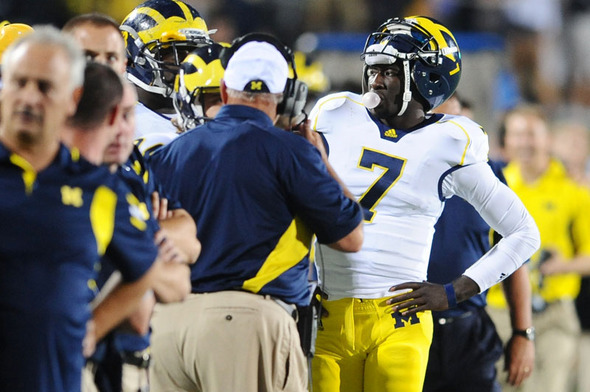 Devin_Gardner_sideline.jpg